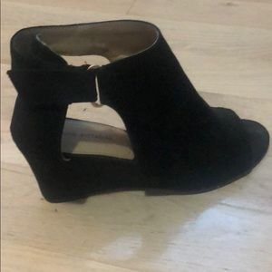 Velvet Black Wedges